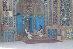 DSC_1393-Mazare-Sharif-resting-guerds
