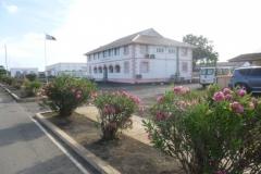 P1020263-AIG-Building-bank-post