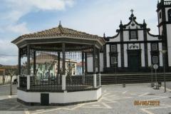 1_IMG_2366-Dorpspleintje-van-Fenais-da-Luz-Sao-Miguel-Azoren