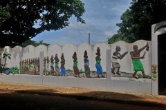 1_DSC_2443-Ouidah-muurversiering