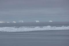 P1000916-Ijsbergen-bij-Hope-Bay