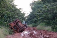 IMG_0729-Gestrande-camion-bij-Mambele