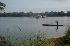 P1000061-Veerboot-op-de-Sangha-rivier