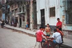 IMG_3482-Kaarten-met-buren-op-straat
