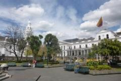 P1120917-Quito-Parque-Catedral