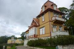 P1040292-EST-Saaremaa-Kuressaare-bij-ingang-kasteel