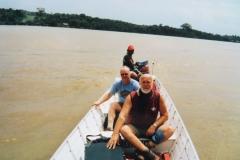 2-Op-Oyapock-rivier-en-St.-Georges-Frans-Guyana