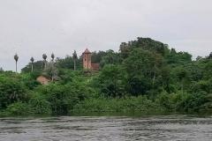 DSC_0369-Deze-kerk-staat-midden-in-het-oerwoud
