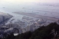 35-03-Gibraltar-jachthaven-en-vliegveld