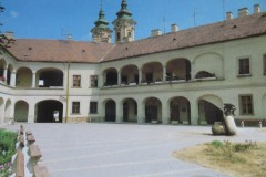Eger-Inner-City-Court