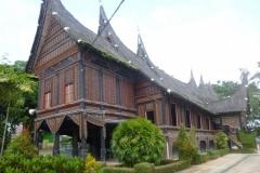 P1070012-Bukittinggi-Minangkabau-museum