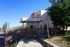DSC_0728-Het-enig-verlaten-hotel-in-Bajgiran