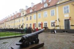 P1040242-Riga-Kaserne
