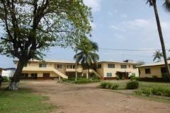 P1010125-Binnen-de-omheining-van-U.M.C.-Monrovia