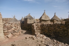 P1000453-Dorpsbeeld-in-Djiguibombo