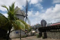 P1010284-Oude-windmolen-in-Port-Louis