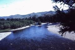 39-36-Terelj-typisch-landschap-langs-rivier