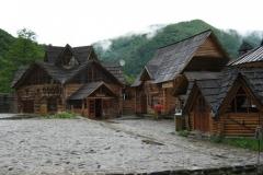 IMG_0518-Dilove-Kolyba-Mezey-Rest.-bij-Geografisch-Centrum-Europa