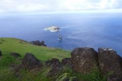 P1000716-Orongo-ceremonial-village-met-Moto-Iti-Island