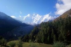DSC_2312-Adembenemend-zicht-op-de-Nanga-Parbat-van-op-ons-terras-van-Raikot-Sarai