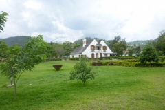 P1050293-Koloniale-villa-in-Gisenyi-aan-Kivumeer