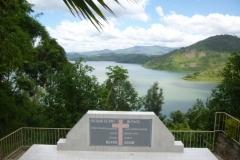 P1050398-Vredesmemorial-bij-Kivumeer-Kibuye