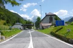 P1030884-Grens-Slovenie-weg-Tarvisio-naar-Bovec