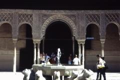 34-18-Granada-Alhambra-Patio-de-los-Leones