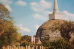 DSC_3933-Dagoba-in-Anuradhapura