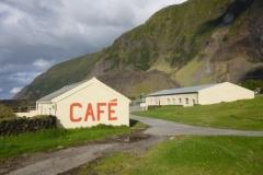 P1010687-The-only-Café-closed